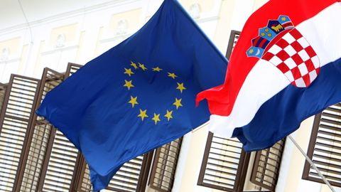 EU Chorvatsko - vlajky 615.jpg