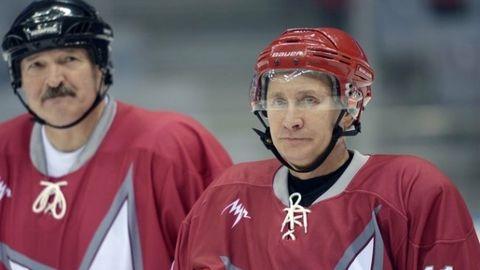 Putin Lukaenko hokej 615.jpg