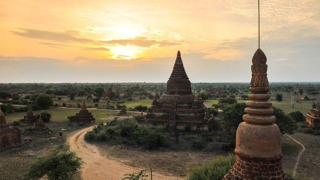 myanmar-1823213_1280.jpg