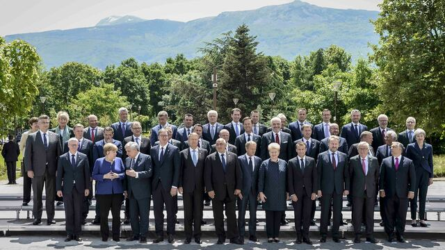 Family photo - EU Western Balkans Summit